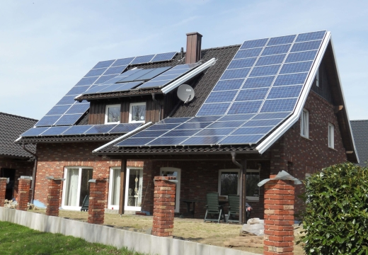 Can Your House Rely 100% on Solar Power?