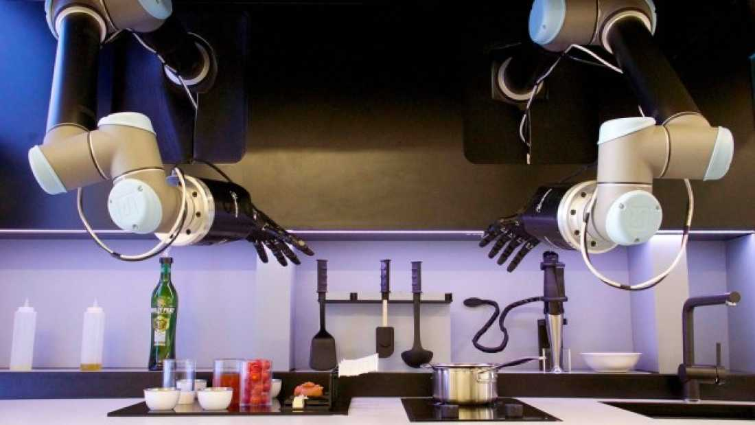 Robot chef that can cook amazing meals for you