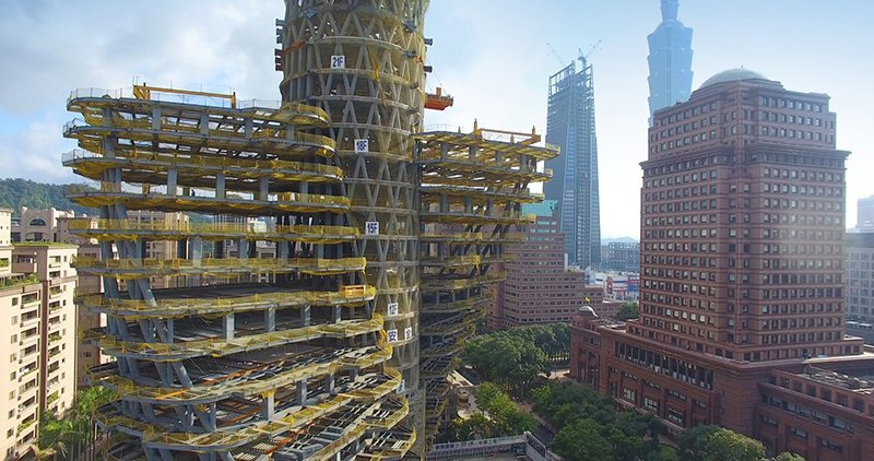 How the Twisting Tao Zhu Yin Yuan looks like from the next condo when we look much closer.