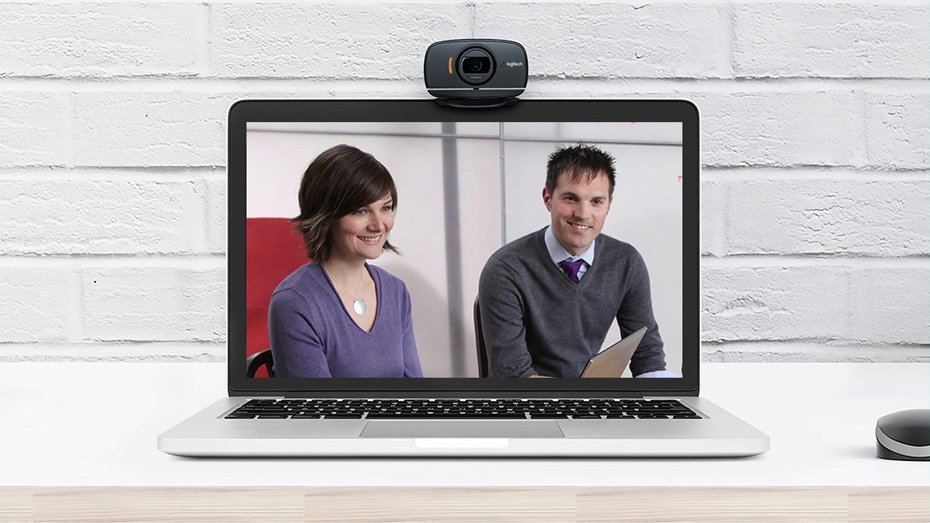 Staying at Home - Use Logitech B525 HD Webcam For Video Conferencing